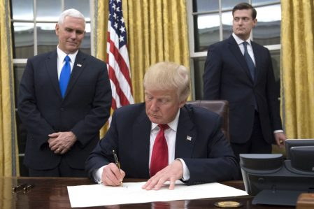 Trump Approves Pipeline