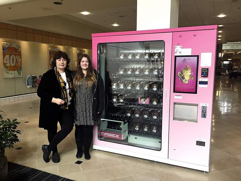 Gourmet Cupcakes Fight For Dominance in Vending Machines