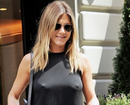 Jennifer Aniston Braless. www,businessmangement.news