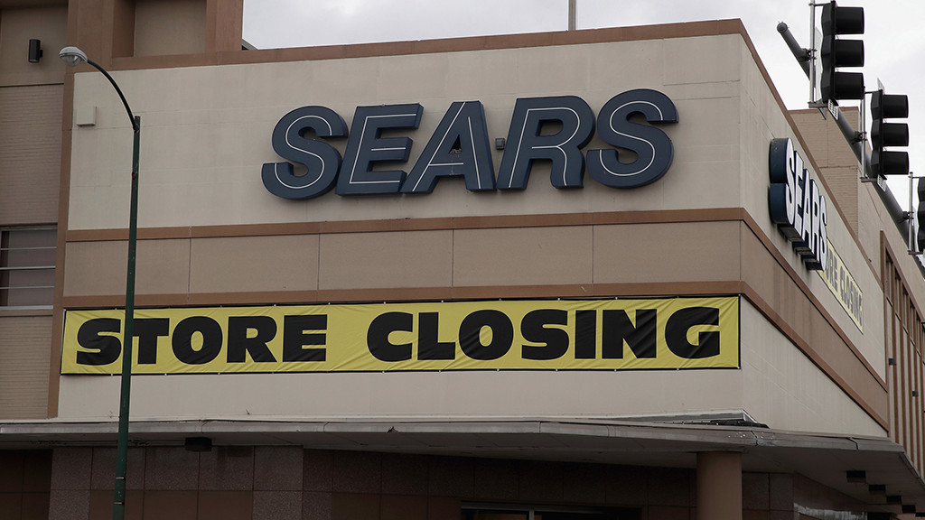 Sears, Kmart to Close One-Third of Remaining Stores. www.businessmanagement.news